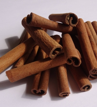 Cinnamon: The Best Power House of Flavor & Health Benefits